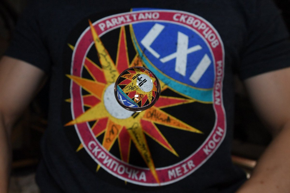 The crew of Expedition 61 would like to thank the many @Space_Station flight control teams around the world that made this mission exceptionally successful — one for the history books! @Astro_Jessica, Oleg and I will carry this great momentum into Expedition 62!