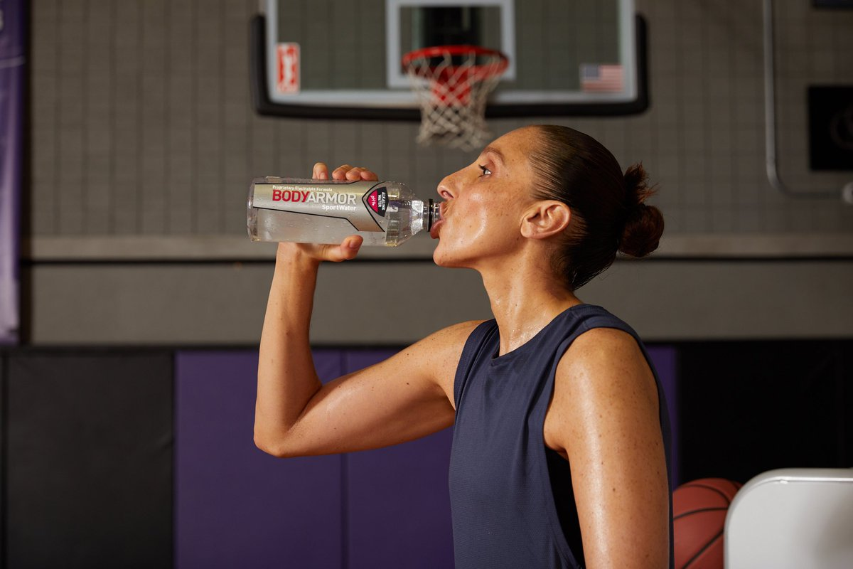Highly recommend @DrinkBODYARMOR's Alkaline SportWater for that ALL DAY hydration. Stock up with the new 6-pack at @frysfoodstores!