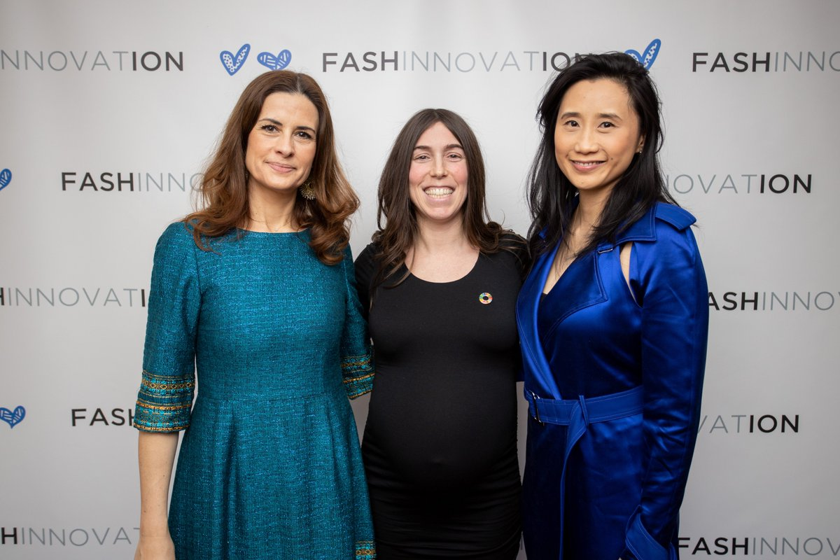 Wonderful to debunk myths around fashion & sustainability with Livia Firth of @ecoage & Michelle Lee of @Woolmark at @Fashinnovation_! #FashionIsToLove (Credit: Stanley Steril) pic.twitter.com/lm1zcOCAhW
