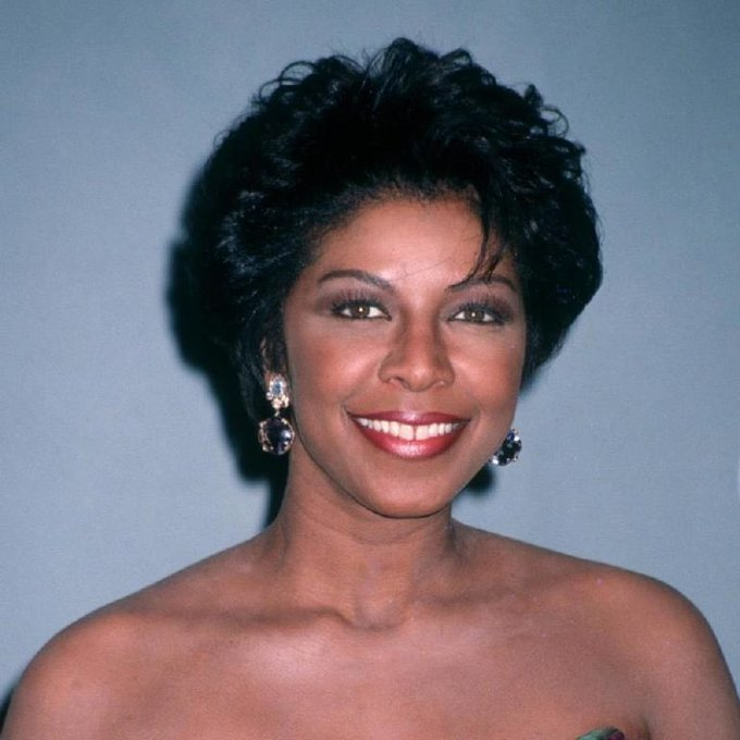 Thx for this gr8 pic! Happy bday Natalie Cole. She looks more like her Mom here