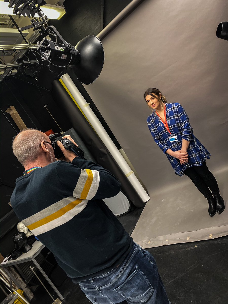 Yesterday the yr1 had a skills lighting assessment in our studio. Well done to all the students! @maria_retter @coleggwent #photographydegree #studiolightingpic.twitter.com/VsPoky4N6u