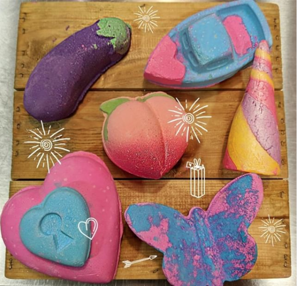 LUSH's Valentine's Day range is back for a limited time only! Who would love to receive these? 🙋