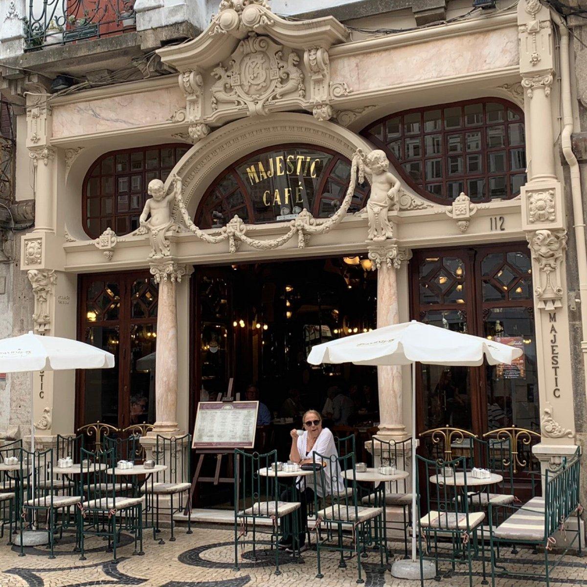 test ツイッターメディア - 1921年創業、ポルトで1番美しいと言われるカフェ。 (@ Majestic Café in Porto) https://t.co/AYZwiezkQK https://t.co/bEvnysO3Yv