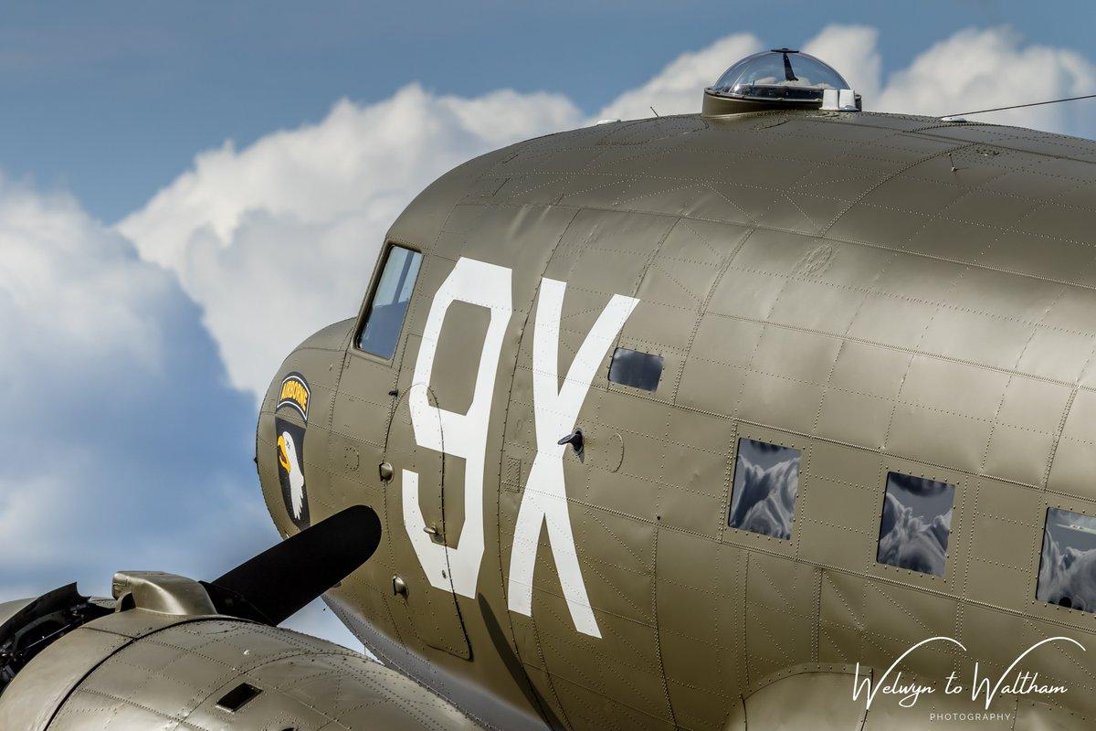'Airborne, Rendezvous with Destiny' / N150D C47 at Daks over Duxford on the 5th June 2019 @DDAY_Fr @IWMDuxford @TheDDayStory @C47SKYTRAIN @dday7 @WaitForDDay @vintagedakota1 #AvGeek #daksovernormandy #daksoverduxford #dday #c47 #ddaysquadron https://t.co/9fPCssWpow
