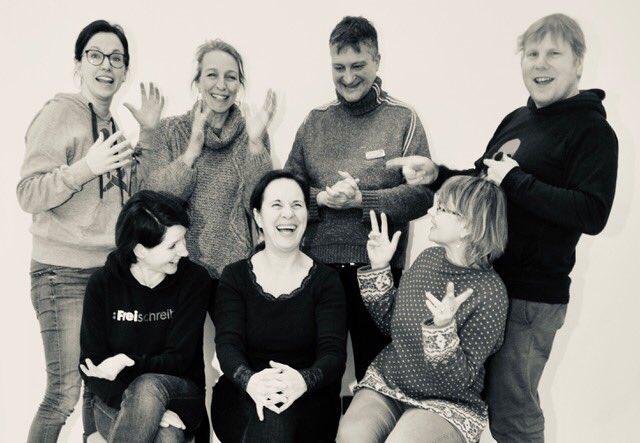 Fröhlich, frisch, frei ging es zu bei der Januar-Tagung der #Freischreiber im Knüllwald. Lass dich anstecken von unserer Leidenschaft für fairen, hochwertigen und unabhängigen Journalismus!   #gemeinsamstatteinsam #dieGedankensindfrei #freiseinistwunderschoenpic.twitter.com/JMf6eeRyfD