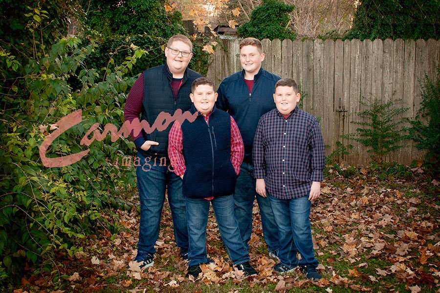 These guys have grown up, so much, this year. We hang out every year and they're session is always full of fun and laughter. #familyphotography #familysessions #familyphotographer #brothers #siblings #kyphotographer #carmonimaging #ilovemyjobpic.twitter.com/pZtieV1ozx