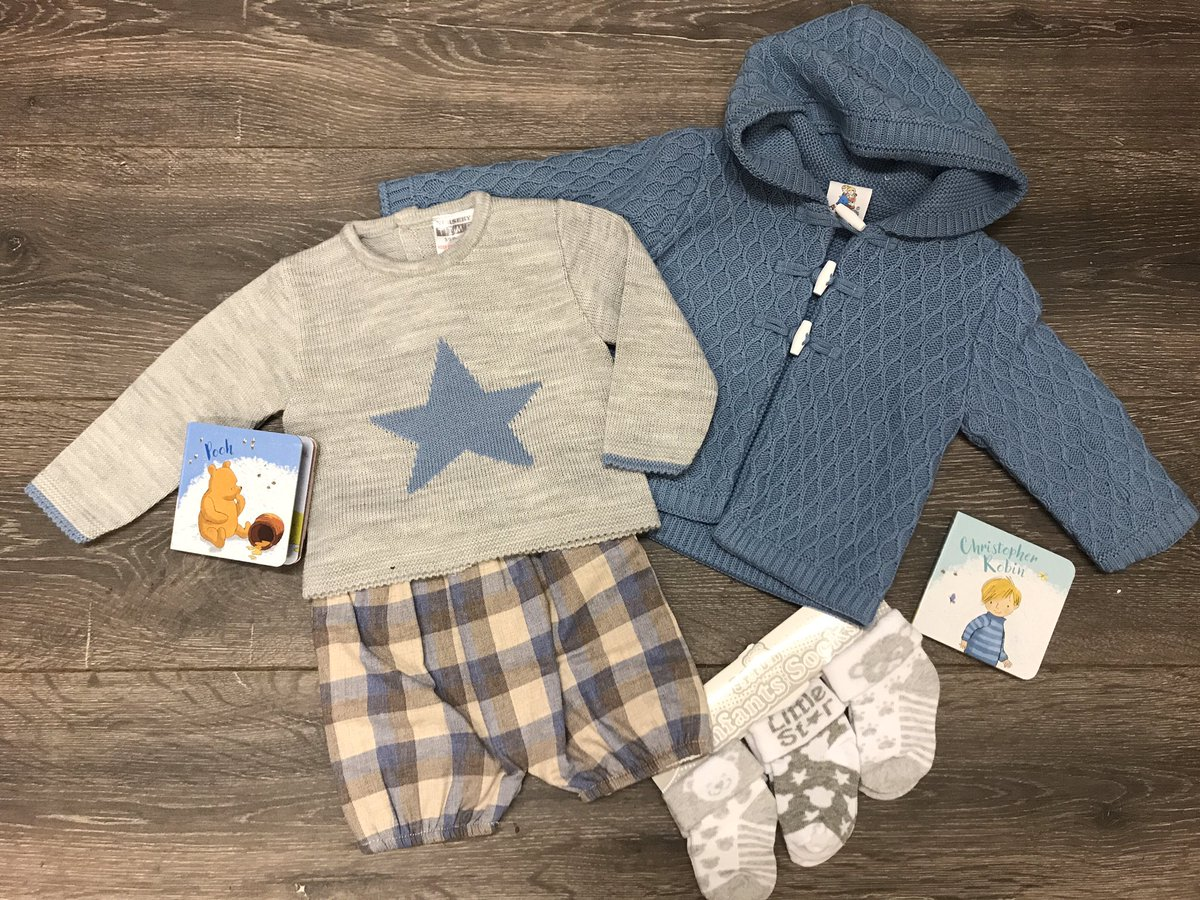 this little #BoysOutfit Here we've teamed it with some #GreyBabySocks & this #cosy #Hooded #KnittedJacket  #BabyOutfit #outfitoftheday #OOTD #fridaymoodpic.twitter.com/v25JzrO9pF