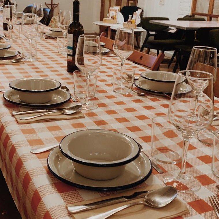 ¡Mañana toca sacar las cucharas y los platos hondos para tomar nuestro cocido! ¡No te lo pierdas! ¡Todos los sábados de febrero y el martes de Carnaval! . . .  #Vigo #Estamoscosiendo #Cocido #EstrellaGalicia #vino #RibeiraSacra #Godello #maeloc #LaTitaRivera #vigomola #vigocity