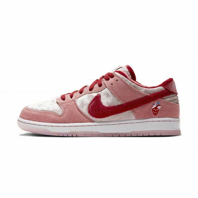 Who's grabbing a pair tomorrow? #kixify #nike #sb https://t.co/dLF3CzF8Tm