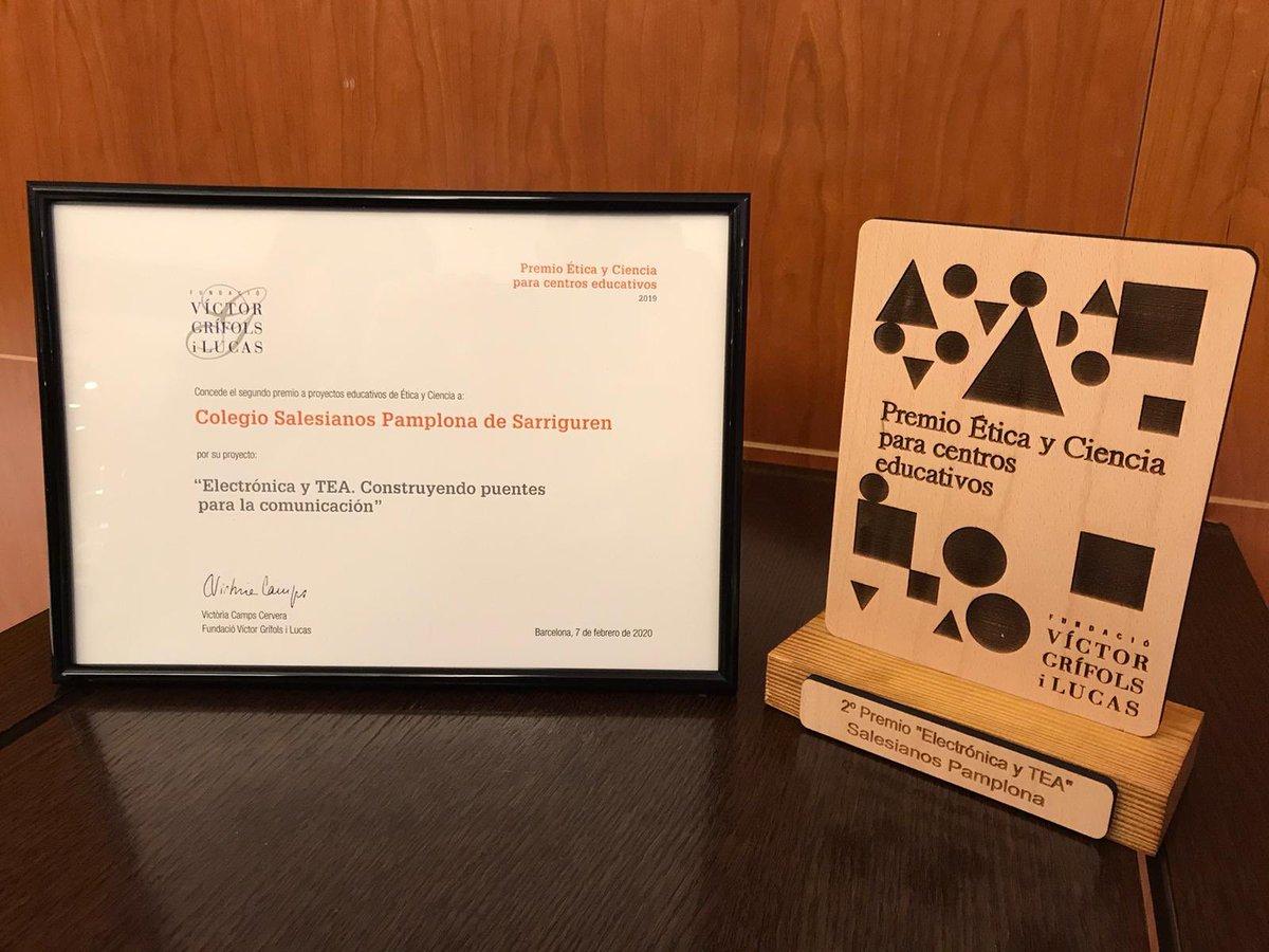 La @FundacioGrifols ha concedido el segundo premio del certamen Premios Etica y Ciencia 2019 al proyecto ELECTRONICA y TEA que están desarrollando el alumnado de Grado Superior de Automatización y Robótica. @StaLuisaM @autismonavarra #éticayciencia @SalesianosSSM @DiariodeNavarra https://t.co/aL5HrQ1c2f