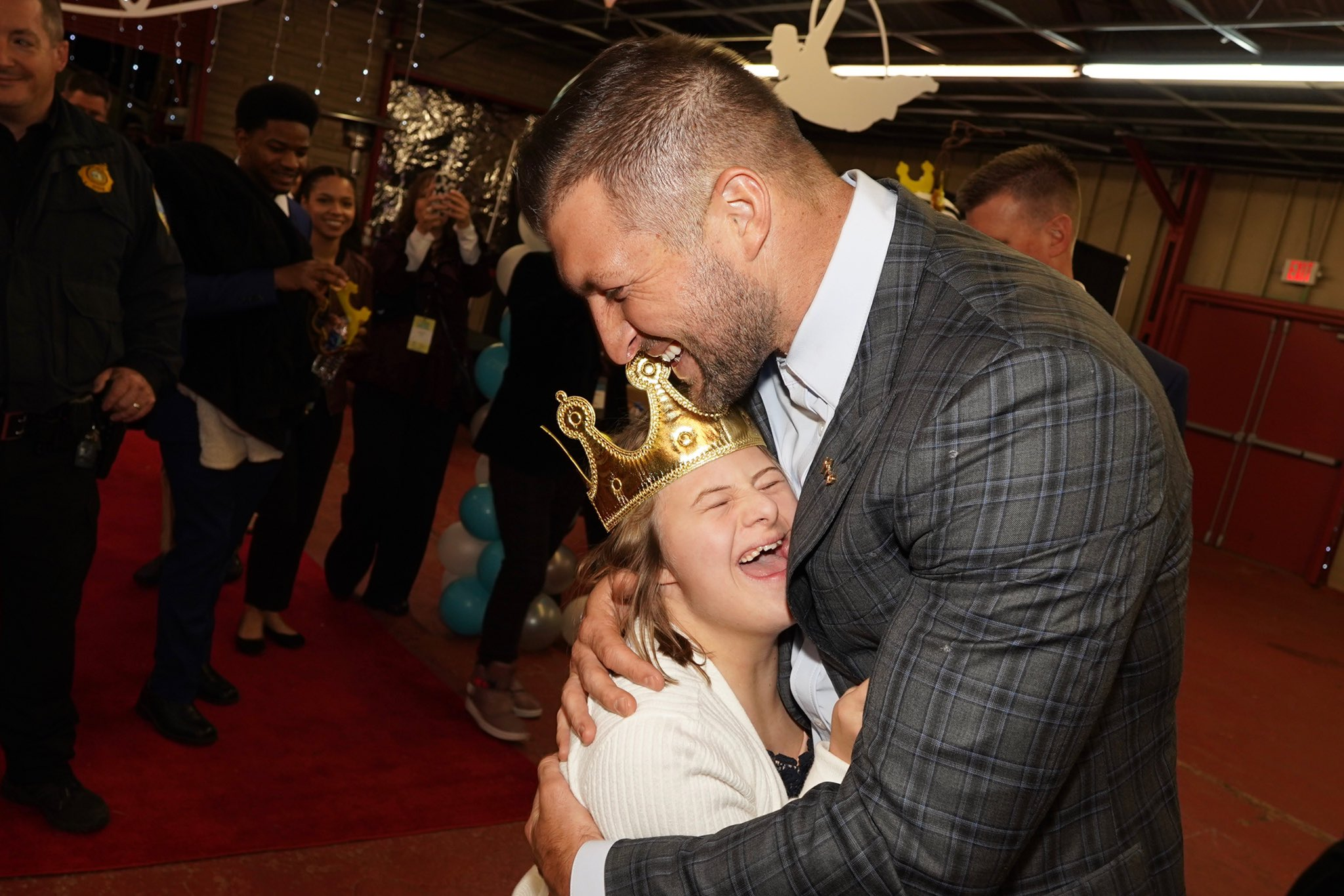 Tim Tebow Hosts Prom for 115,000 Special Needs Kids
