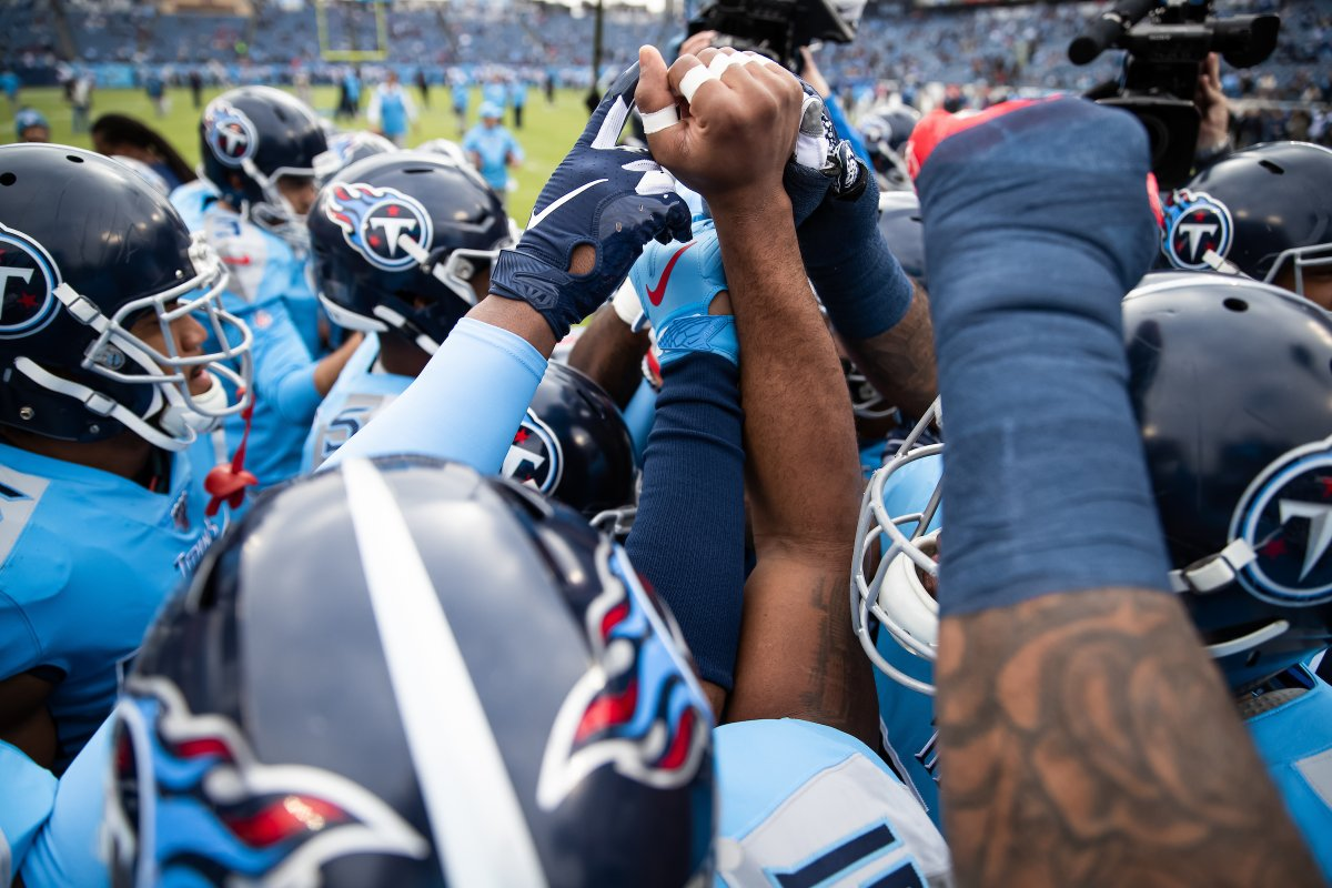 Huddle Around. This weekend's @Titans mailbag has arrived. READ bit.ly/2UBgvXo