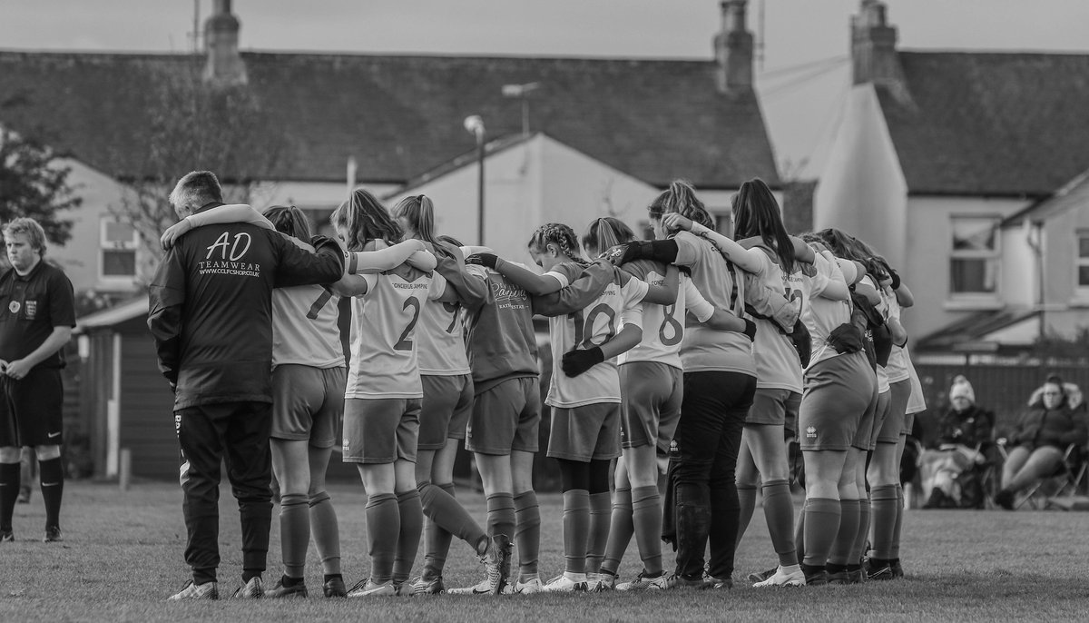 Good Luck Girls!!!!  Been a while but behind the lens with the @ChiCityLadiesFC  U15's Greens in their Semi Final of the Hampshire Cup . . #youthfootball #thesegirlscan #semifinal #Hantscup #sportsphotography #clubphotographer #femalesportsphotographer #SaturdayMorning  pic.twitter.com/F16TNuiXHC