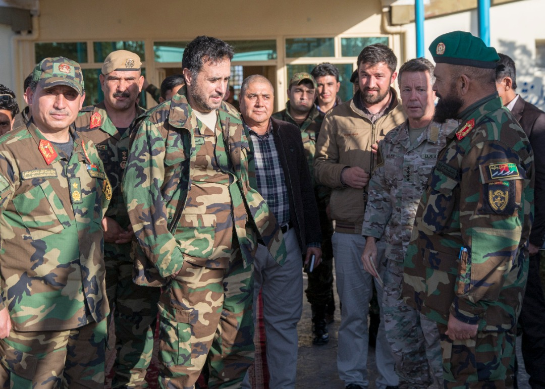 "Acting Defense Minister Asadullah Khalid, RS Commander Gen. Scott Miller, and Maj. Gen. Zabihullah Mohmand, commander of the 207th Corps, met in Herat on Thursday to discuss ongoing security operations & the ""surrender of Taliban fighters to the ANDSF in Ghor & Herat,"" MoD says. <br>http://pic.twitter.com/kJ3WveSoAH"