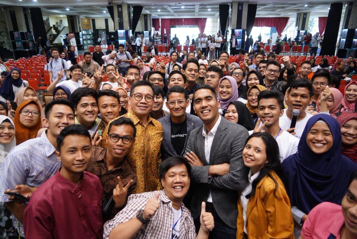 Demi membangun Indonesia menjadi bangsa yang maju & sejahtera dibutuhkan generasi penerus yg memiliki intelektualitas & berdaya saing tinggi. Generasi penerus inilah yang nantinya akan menjadi agen perubahan yang sangat dibutuhkan negeri ini dalam membangun negeri di masa depan.