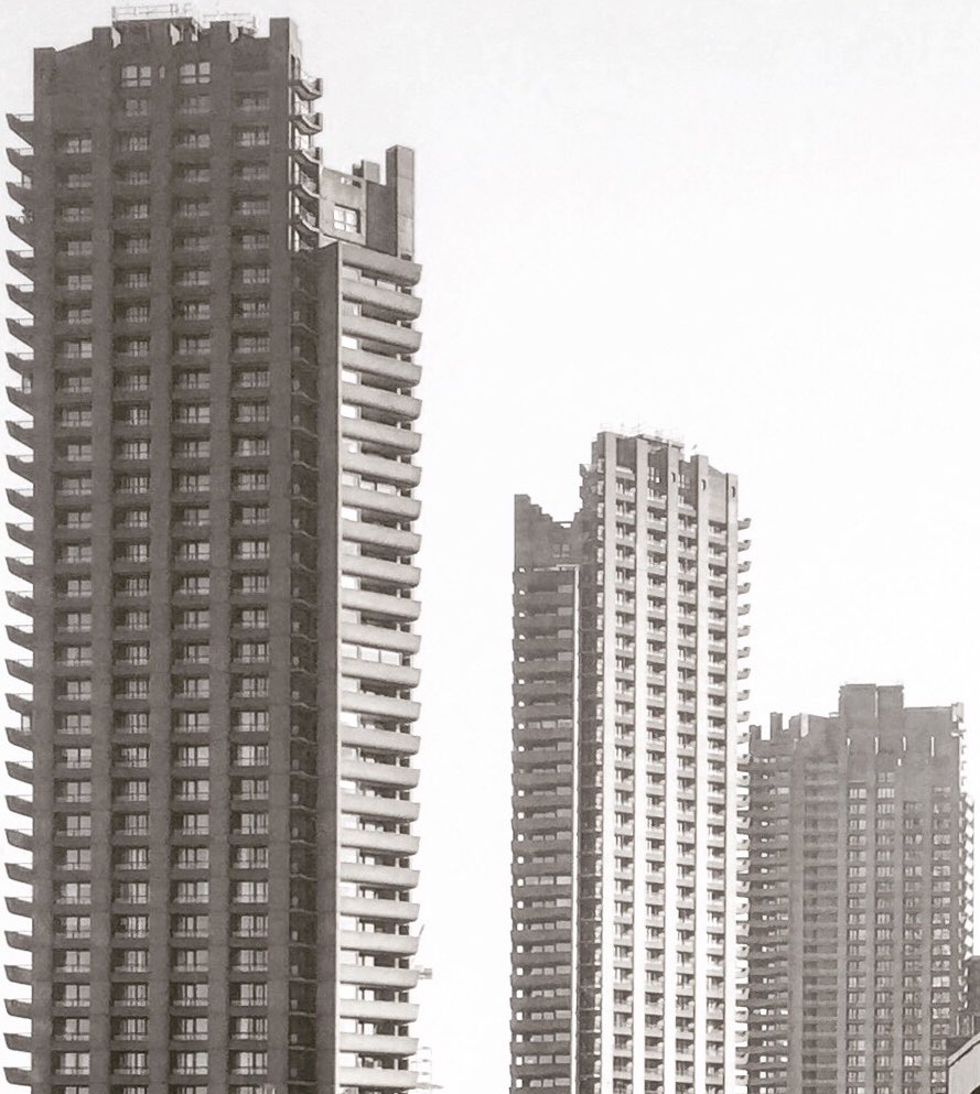 What a view of the @BarbicanCentre from the #bartssquare housing scheme by @helicalplc with phase 3 in the foreground delivered by @MCLGroupPLC. #barbican #barbicanestate pic.twitter.com/hUx1zb396d