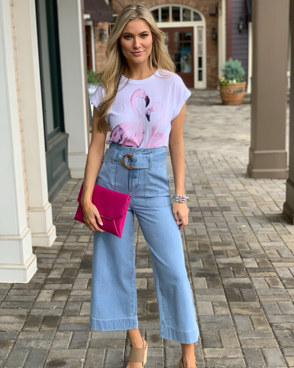 The Saturday Look we never knew we needed! . . . . #handinpocket #stayhip #shoplocal #casualandcute pic.twitter.com/dzSgkUh1wX