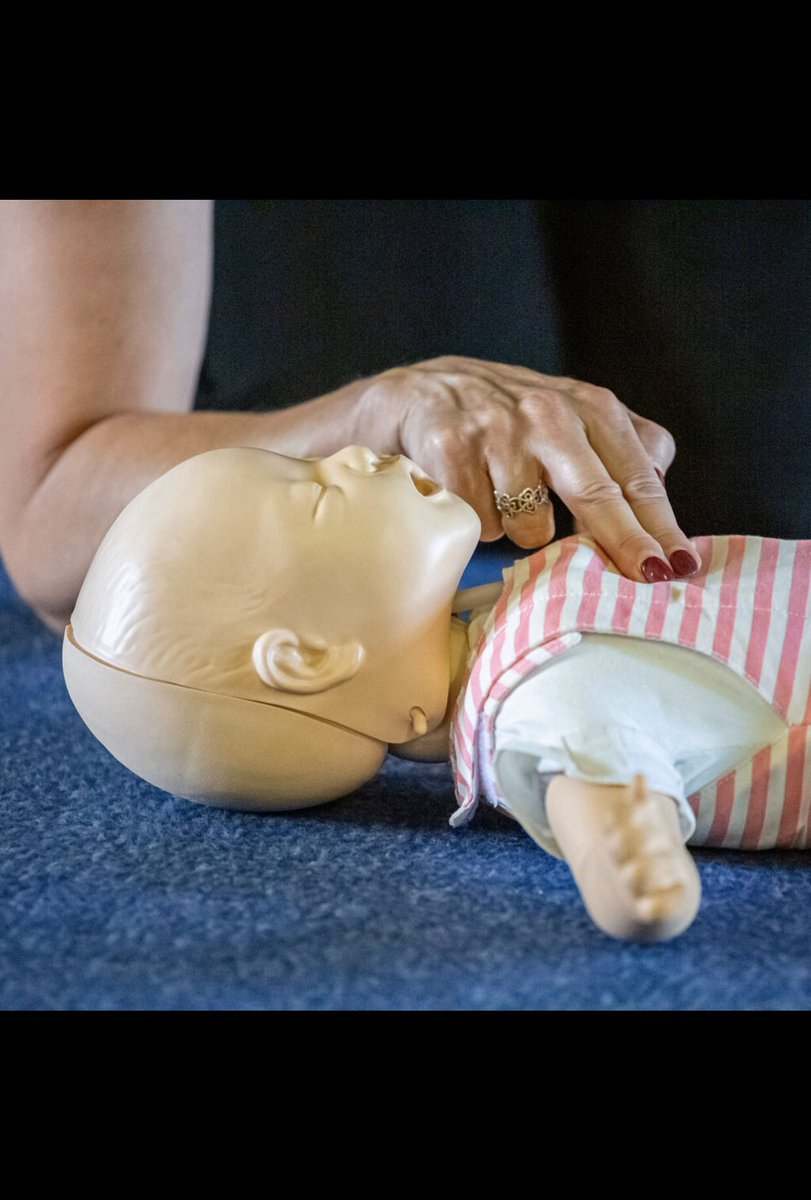 Fantastic afternoon with a lovely family  providing them with our baby & child CPR talk in Southend. Ages ranged from  7-76 ! Call our team for details. Prices star at just £10pp #babycpr #childcpr #choking #babyfirstaid #paediatricfirstaid #prontotrainingpic.twitter.com/uGsFTfVd5q