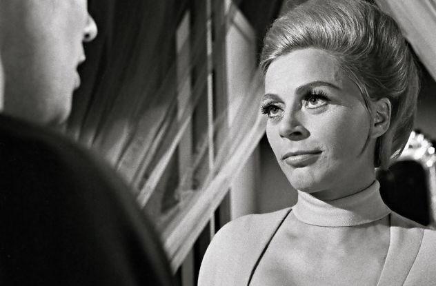 """Raumpatrouille ORION 💫 בטוויטר: """"Auf Chroma: 1. SIE (Margot Trooger): """"Sie wollten mit mir sprechen, Commander McLane?"""" Cliff: """"Was denn, sie sind ..."""". SIE: """"Ich bin, wie Sie es nennen, der Chef!"""""""