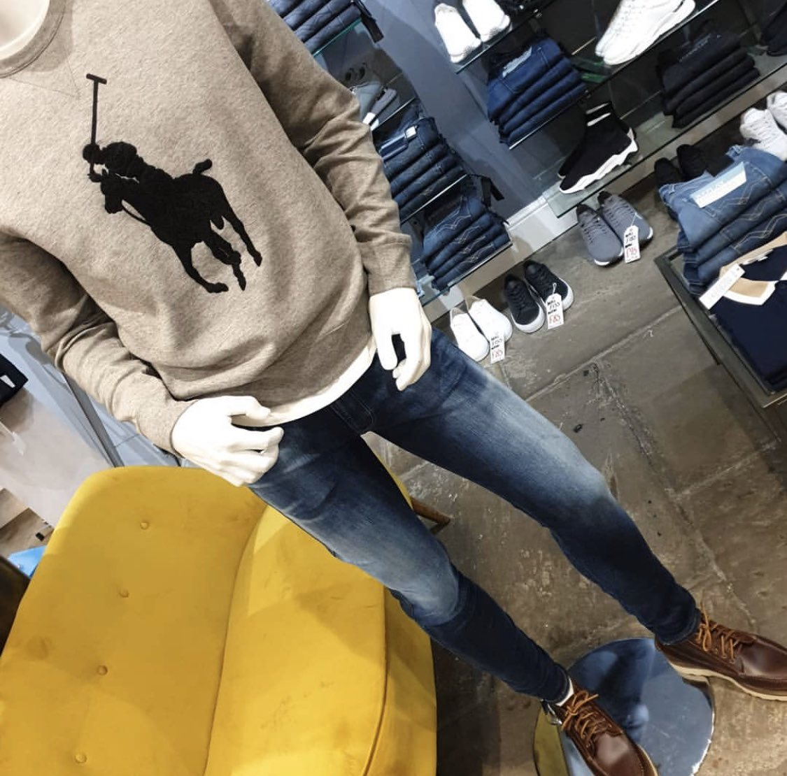 Another great colourway from Ralph in one of our bestsellers and also another new wash from the Replay Hyperflex range#dontmissout #bestseller #ralphlauren #sweatshirt #newcolour #replay #hyperflex #jeans #watfordpic.twitter.com/zCpU40qJPL