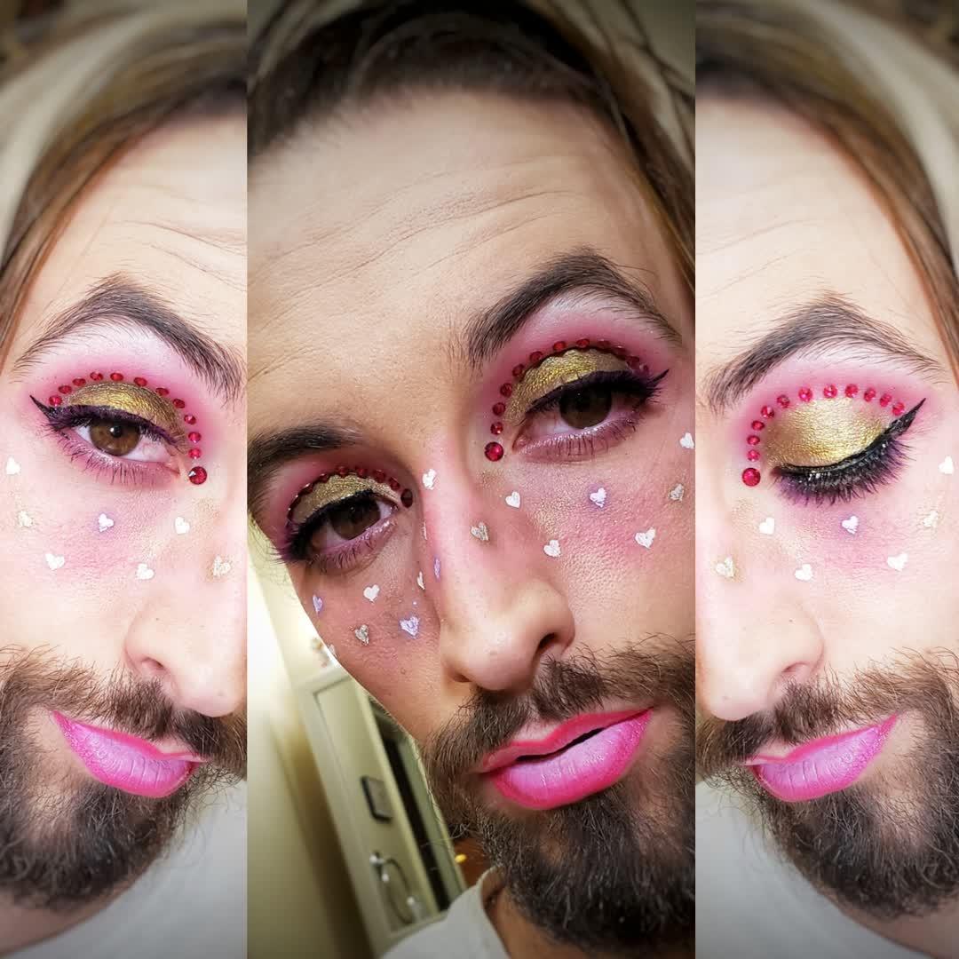 #eyeshadowlooks #eyemakeup #edgy #makeup #makeupideas #makeupgram #makeuppage #makeupobsessed #mua #makeupartist #muasfeaturing #muasupport #jeffreestarcosmetics #jawbreaker #elf #wetnwild #maybelline #nyxcosmetics #lush #lorealparis #valentine #valentinesday #pink #ombrepic.twitter.com/lzohfr09uC
