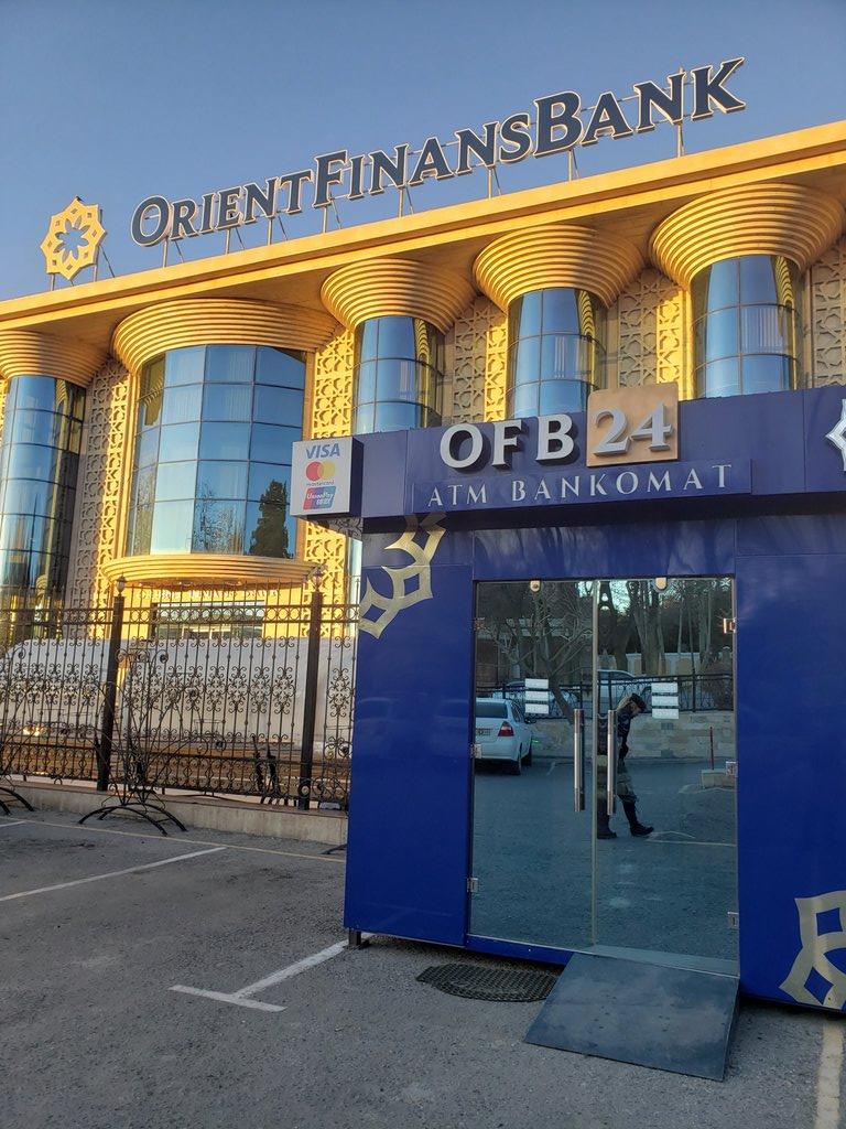 もし、サマルカンドでキャッシングしなければならなくなった場合(週末)ORIENT FINANS BANKの画像の青いATMなら宿でレギストラーツィアを作る為にパスポートを預かってもらっていてもキャッシングが可能です。パスポートが手元にある場合は中に入って両替可能。#ウズベキスタン#サマルカンド