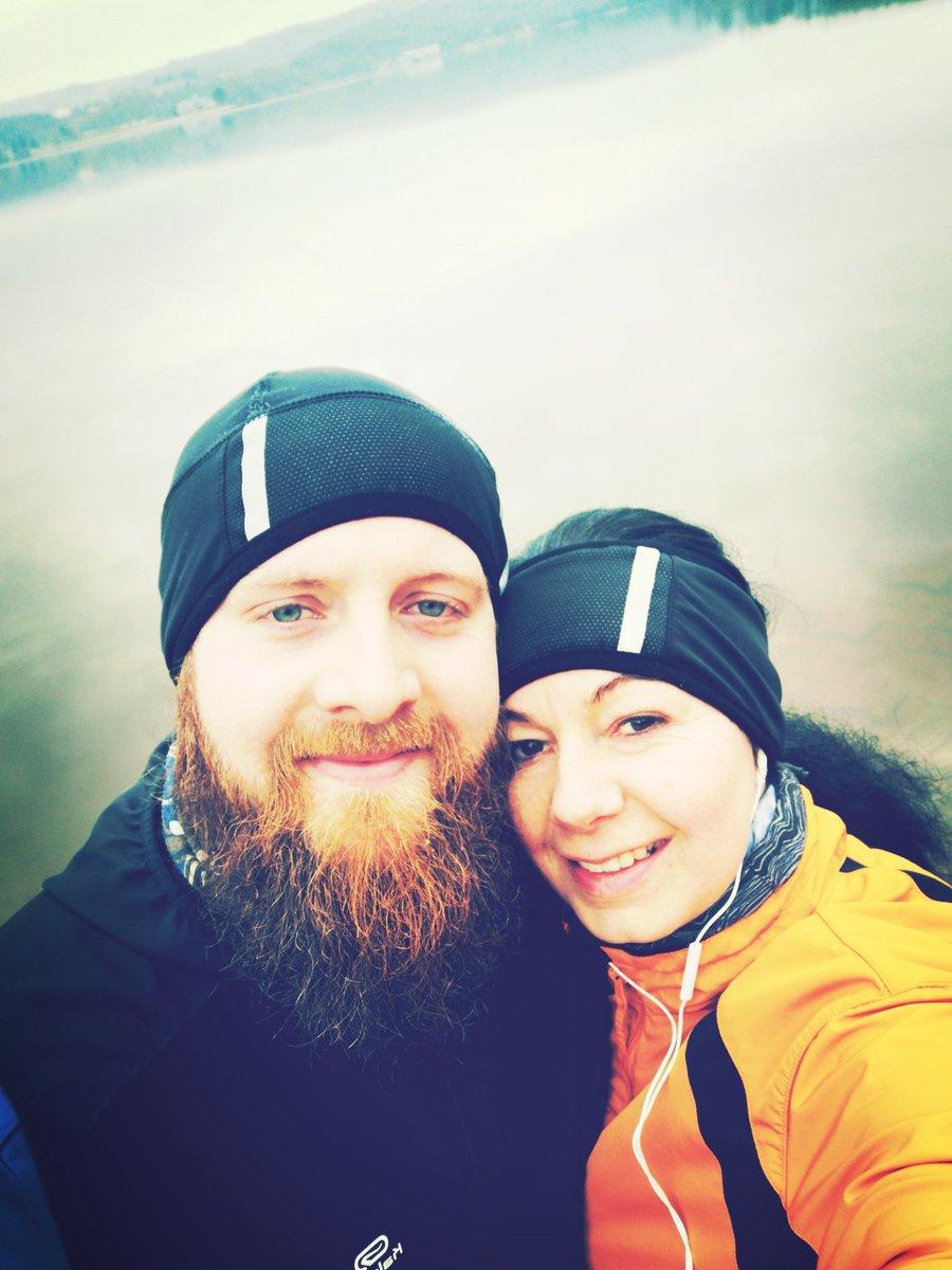See zeit!  #liebeslauftagebuch #laufenmachtglücklich #laufen #malwiederlaufen #laufengehen #fitwerden #sport #saarland #vital #fitness #running #lustamlaufen #laufenmithund #joggen #joggenmachtglücklich #laufhund #shaggy #shaggytherunningdog #knickohr #laufcommunity #lauffreundepic.twitter.com/EgB8HbWPgN