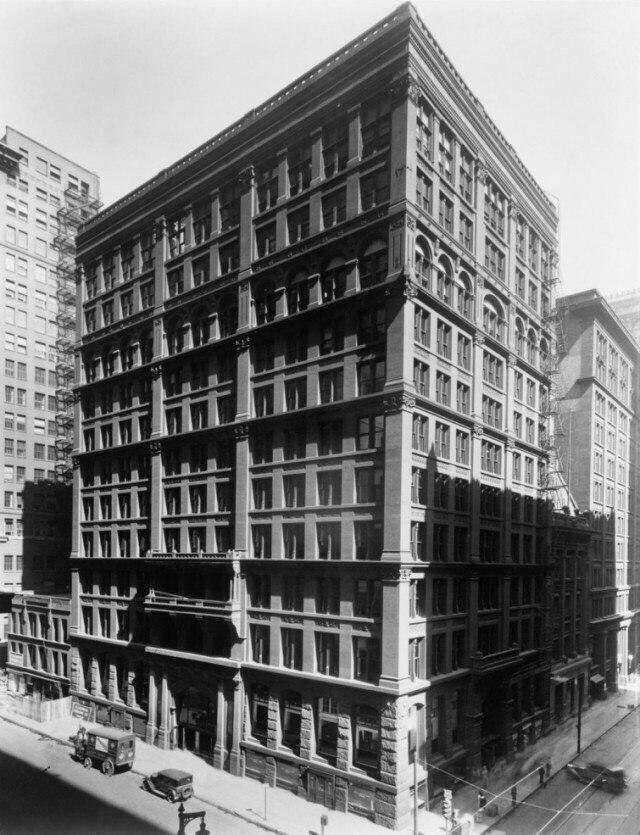 Здание, которые считается первым небоскрёбом в мире. 1884 год. Чикаго.