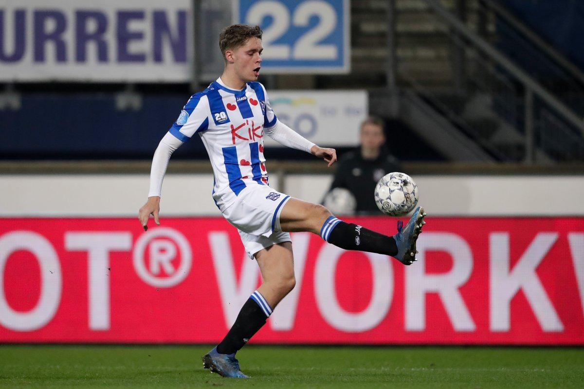 "OptaJohan on Twitter: ""8 - Joey Veerman created eight chances for @scHeerenveen against VVV, the last sc Heerenveen player who created more chances in an Eredivisie game was Hakim Ziyech in November"
