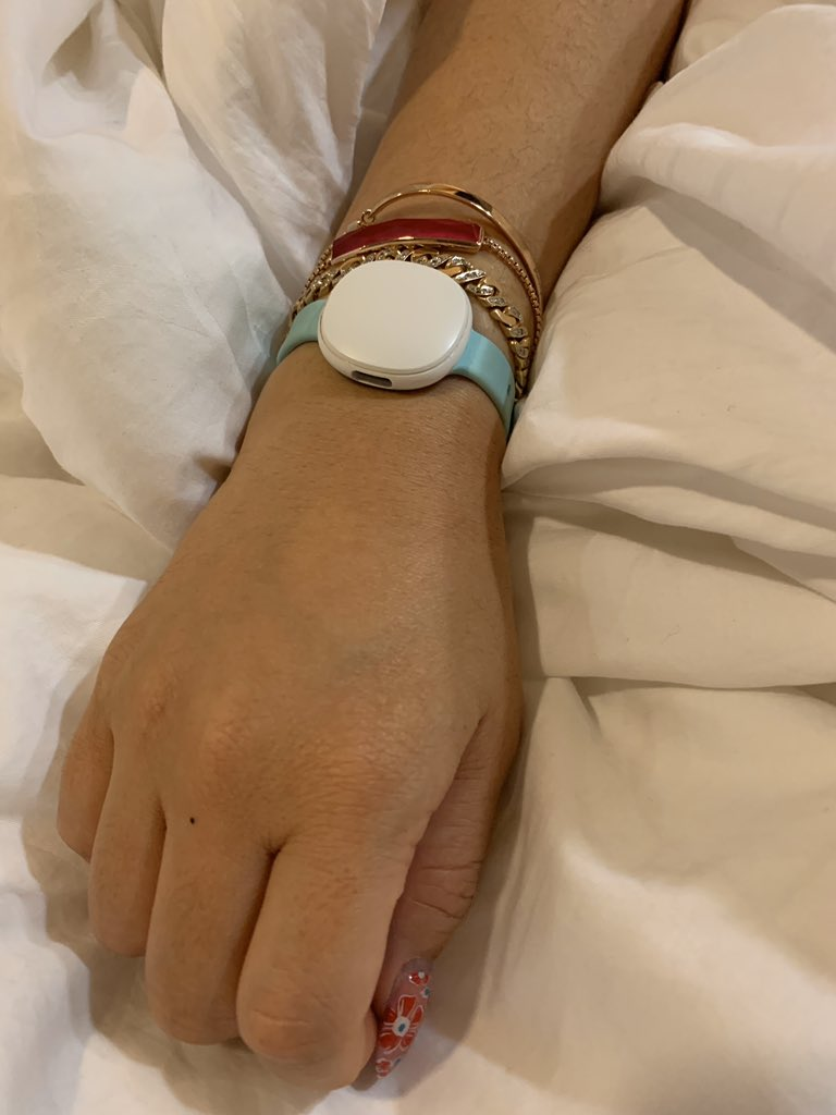 #day5 #coronavirus #CoronavirusOutbreak #Quarantine on #DiamondPrincess besides of thermometer, I use #Ava to monitor my health. #technologyisamazing #hanginthereprincess #womenhealthpic.twitter.com/3IXICbu1Cc