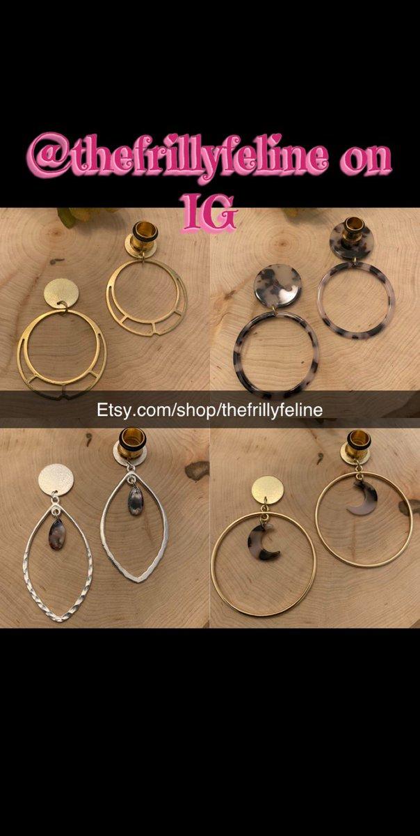 http://Etsy.com/shop/thefrillyfeline… #gauges #eargauges #gauge #gaugedears #girlswithgauges #earpiercings #earpiercing #earrings #plugs #plugearrings #dangleplugs #stretchedears #alternative #alternativegirls #piercings #girlswithpiercings #girlswithtattoos #jewelrypic.twitter.com/zkgnrq3xVY