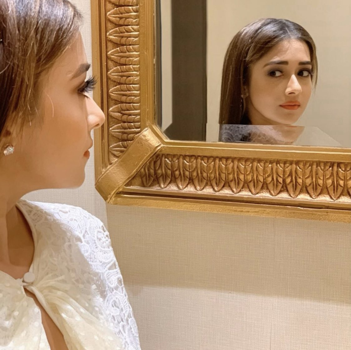 It's not about your reflection, it's what u see beyond it  #happysunday #sunday #dattaatinaa pic.twitter.com/UJtAQTlI5b