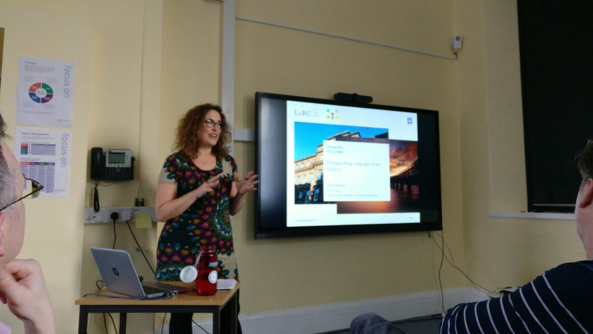 Me, last presenter at the Language processing and representation (LangProRep): Scottish-German perspectives workshop yesterday. So many really fascinating talks! Looking forward to next year already! #dialectsindundee https://t.co/mi2WYCCIHk