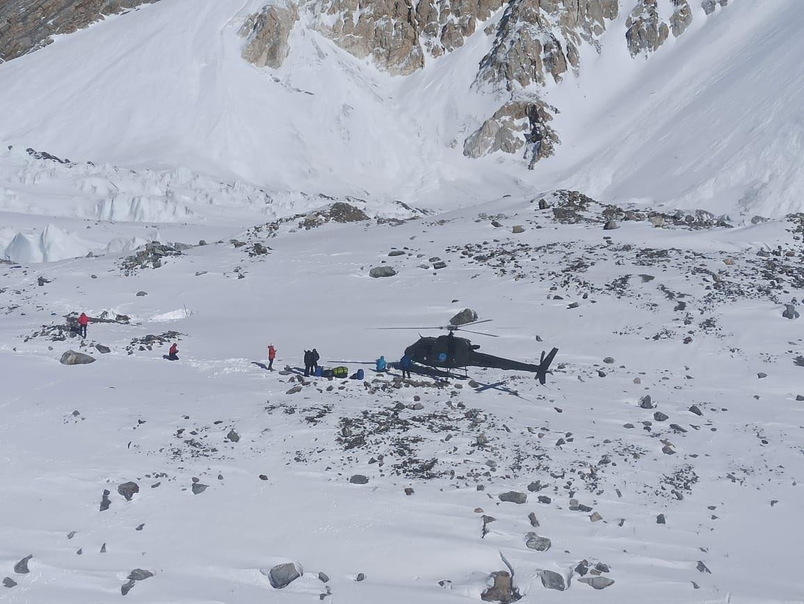 Tremendous professionalism and responsiveness from the #PakistanArmy this weekend in the rescue of climbers on #Baltoro Glacier.   #USEmbassyISB #USPAK #USinPAK #PakArmy #ISPR