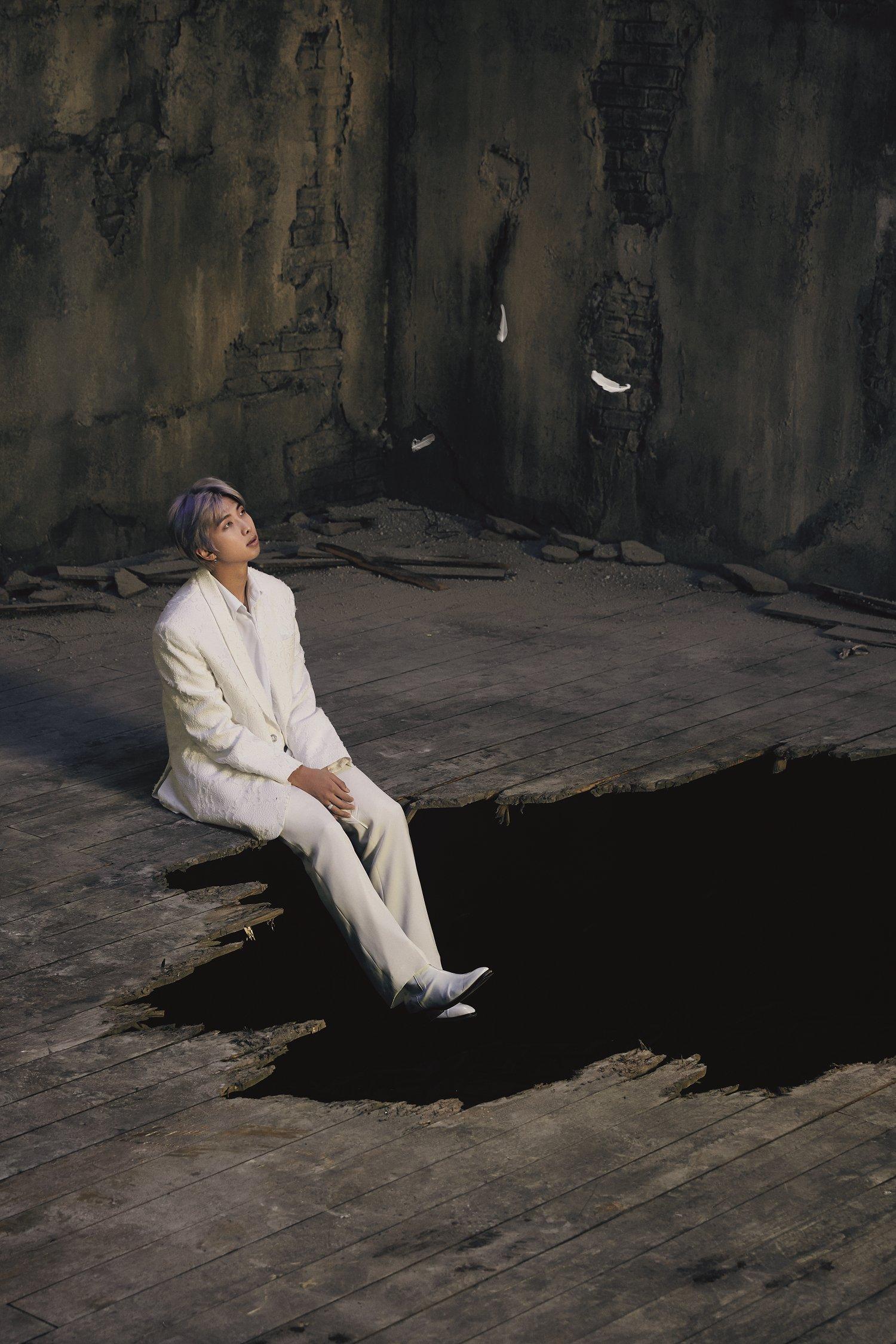 RM BTS Rilis Konsep Foto Pertama untuk Album Baru Map of The Soul: 7 © Big Hit Entertainment
