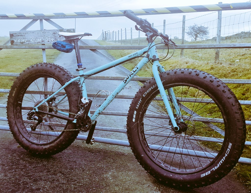Sneaked in a Fat Bike ride in some heavy winds across the moor tops. So much fun on singletrack.  #Surly Wednesday   #Schwalbe Jumbo Jims 4.8 + 4.4  #FatBike #MTBpic.twitter.com/KhtVrcKTgs