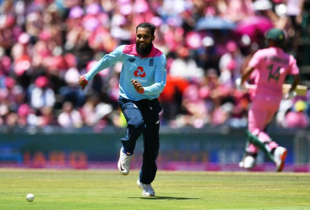 #PinkDay - BREAK: An outstanding David Miller 69 (53) lead the Proteas to a competitive 256 runs after 50 overs. England are up next as they look to rain on South Africa's parade. Watch live: bit.ly/SS_NOW #PinkODI #SAvENG