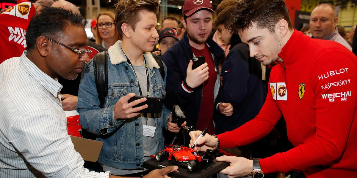 Who was lucky enough to get Leclerc's signature at the Autosport Stage? Comment below!  #Leclerc #f1 #Ferrari #racing #f1racing #Autosport https://t.co/tXE0LSzklz