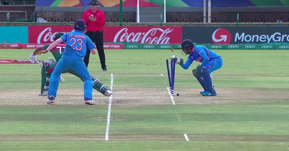 4 wickets in 5 overs. Ravi Bishnoi on fire 🔥🔥🔥 Impressive wicket-keeping by Dhruv Jurel. Come on guys 🙌👏💪 #INDvBAN #U19CWCFinal