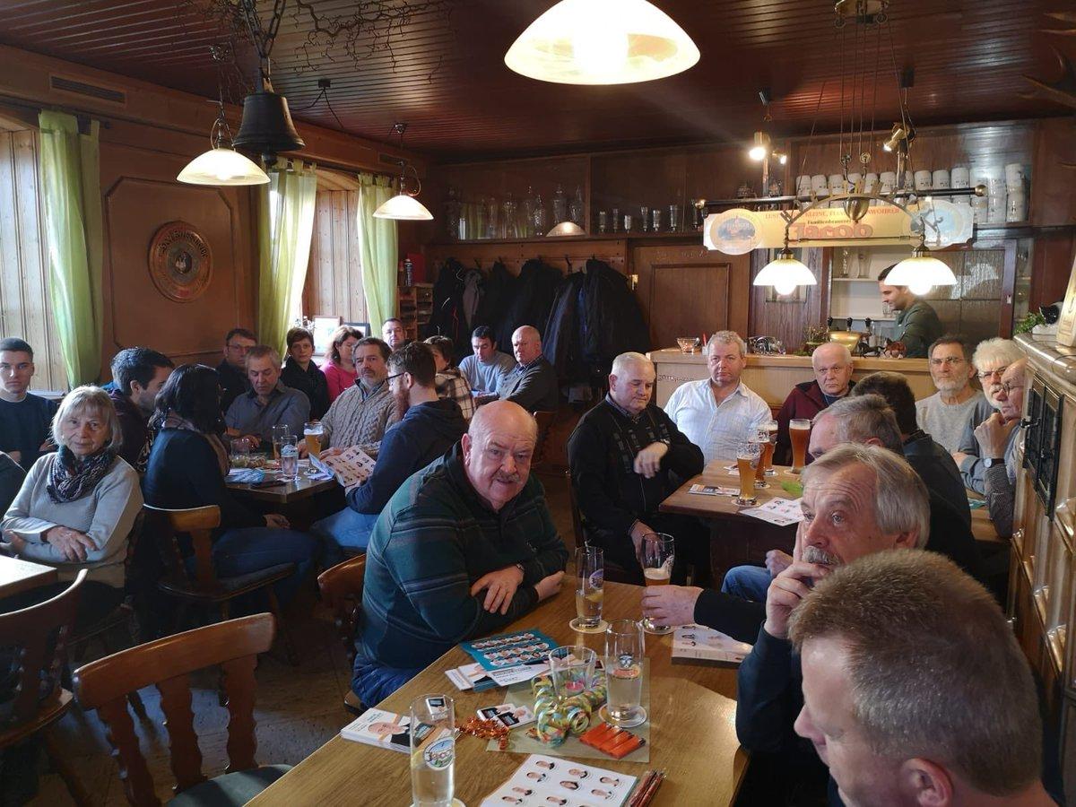 Politischer Frühschoppen der #FWG #Pfreimd in #Weihern. Vielen Dank für das Interesse und den guten Besuch!pic.twitter.com/Ecd1OU5CAe