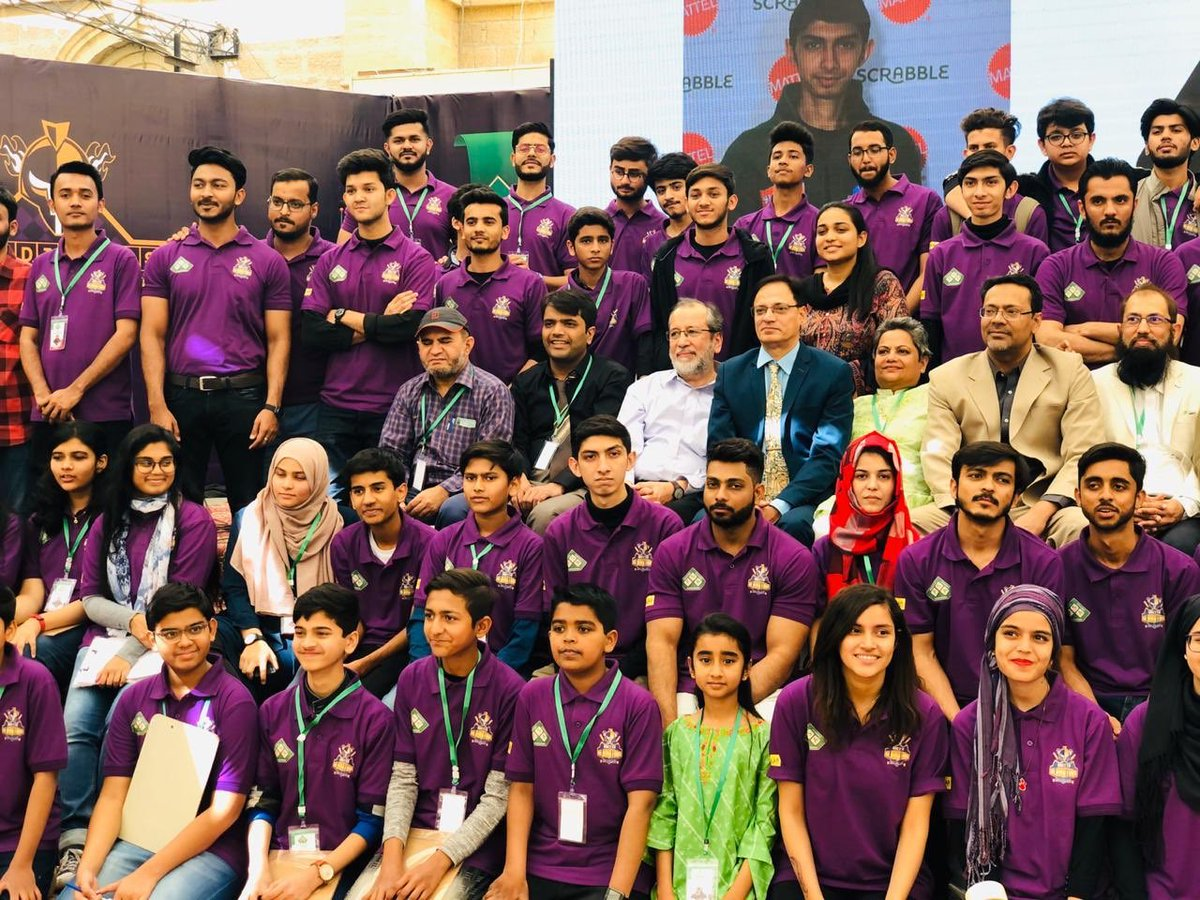 #GladiatorsScrabbleChampionship  Skipper @SarfarazA_54 & Boss @nadeem_omar57 distribute prizes to the Champions.  Gladiators hosted 25 brilliant students of Quetta in Karachi to take part in the Championship.  #WeTheGladiators #ShaanePakistan #PurpleForce https://t.co/RNf73OGPm0