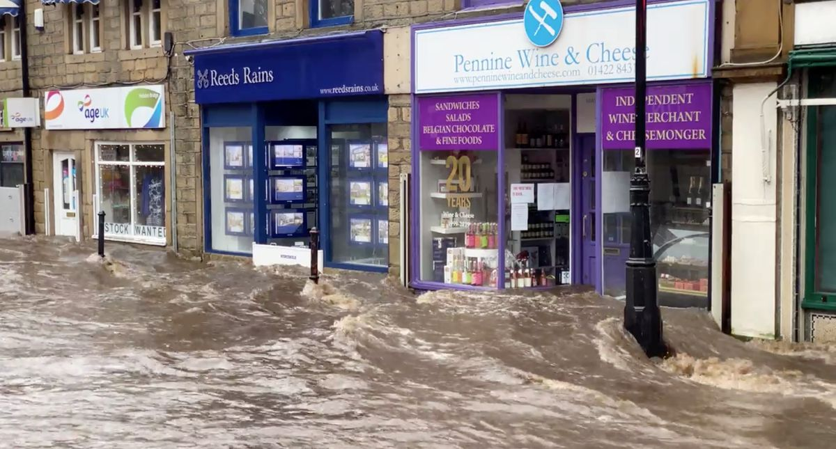 Hurricane-force winds pound U.K. and Europe, upend travel