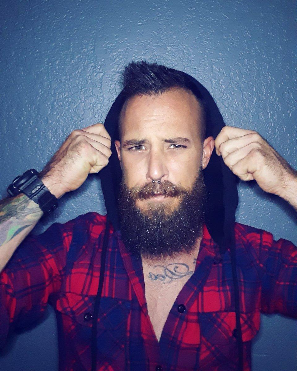 Any Given Sunday.  #beard #beards #bearded #beardeddad #beardedveteran #beardedman #beardedbeliever #beardedforherpleasure #sundayvibes #sundayspic.twitter.com/PAoD0Fyu0O