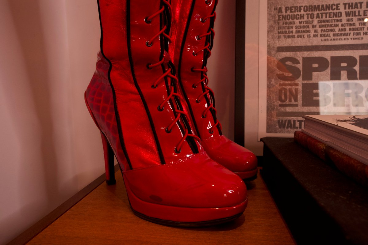 Spotted in the @Jujamcyn offices: a pair of boots from @KinkyBootsBway! 💃