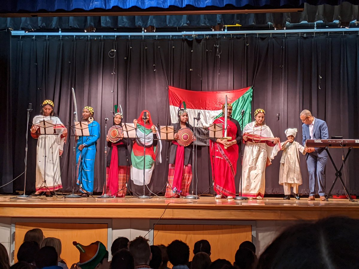 ATS International Night was wonderful, as usual! <a target='_blank' href='http://twitter.com/APS_ATS'>@APS_ATS</a> <a target='_blank' href='https://t.co/P6VbYngs4Z'>https://t.co/P6VbYngs4Z</a>
