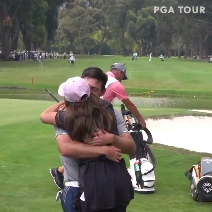 Making the win even sweeter for @Mitopereira with an embrace from his long-time girlfriend ❤️