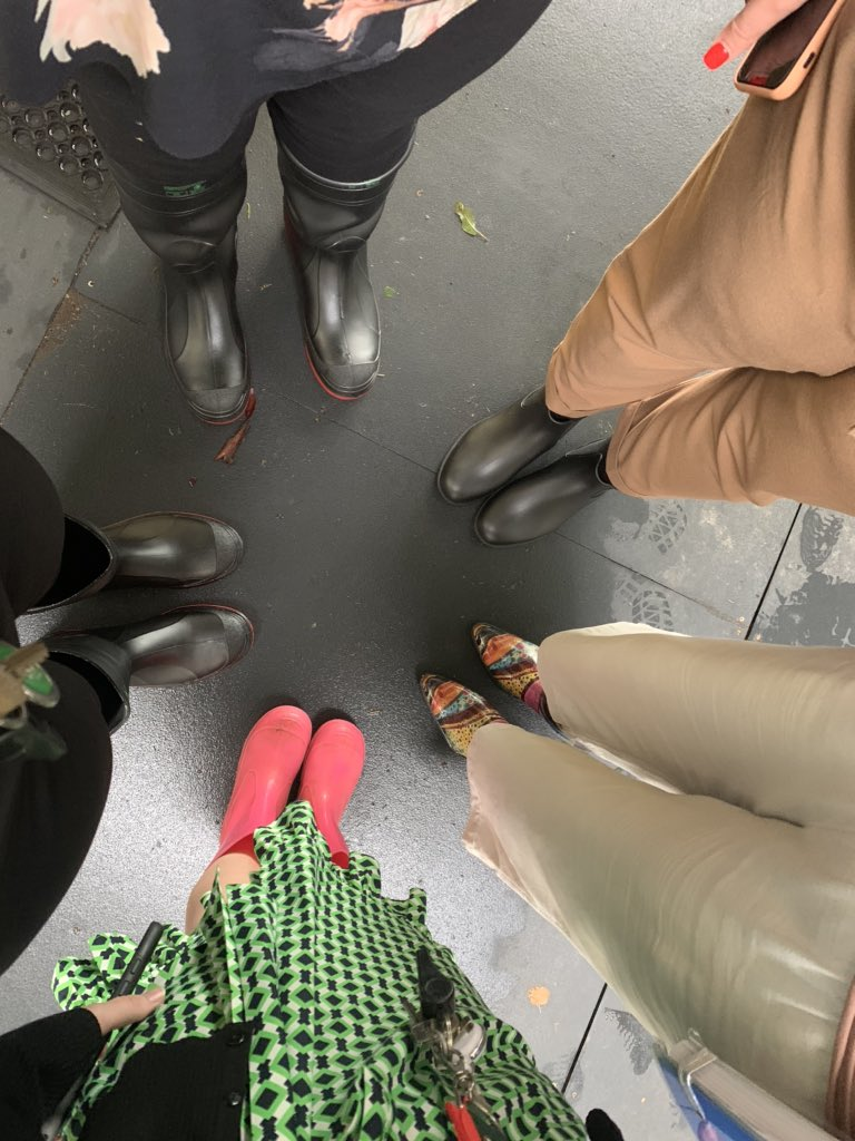 Wet weather @ Marsden Park = gum boots!! #teacherfashion pic.twitter.com/gEFvD8BUVU