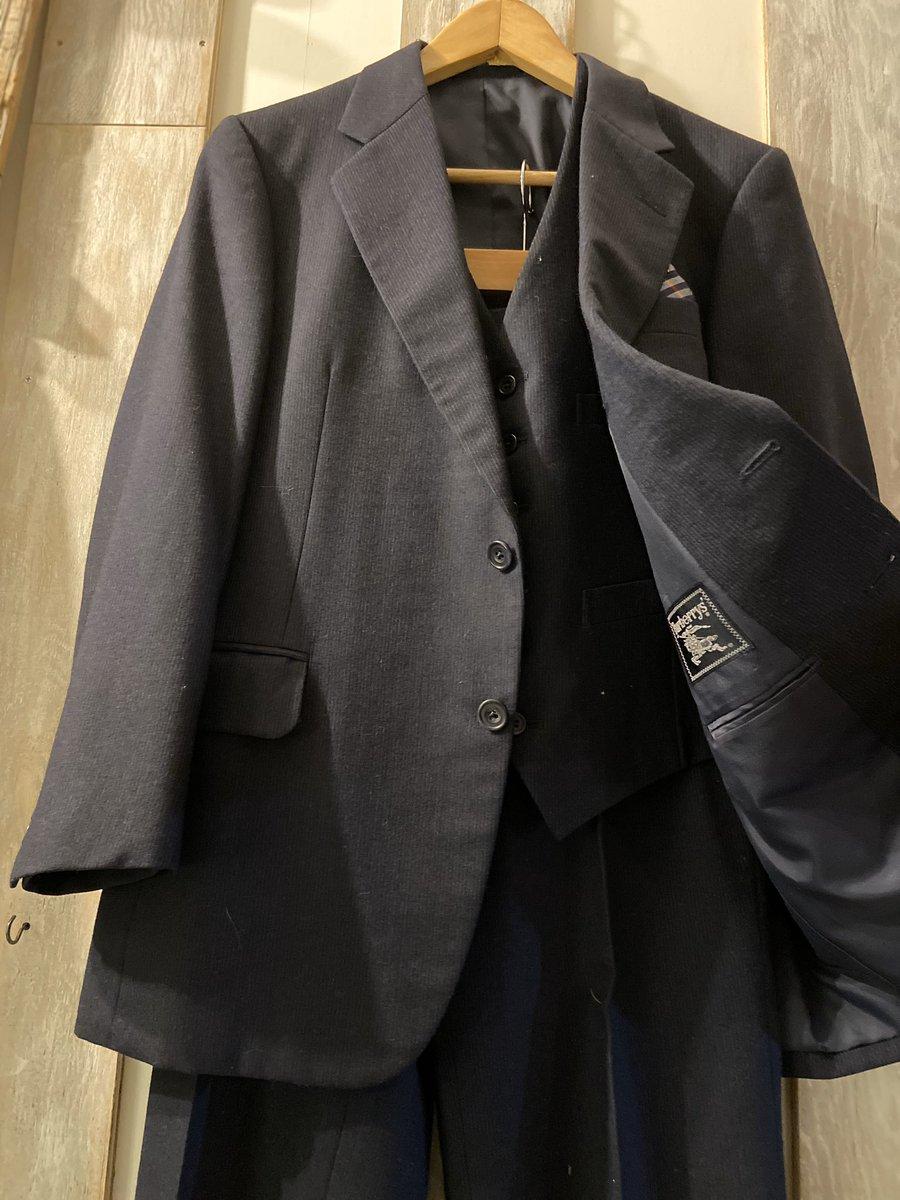 BURBERRY 3ピース セットアップ⚡️胸ポケットのハンカチも付けるので4ピースですw#vintage#古着#商品入荷
