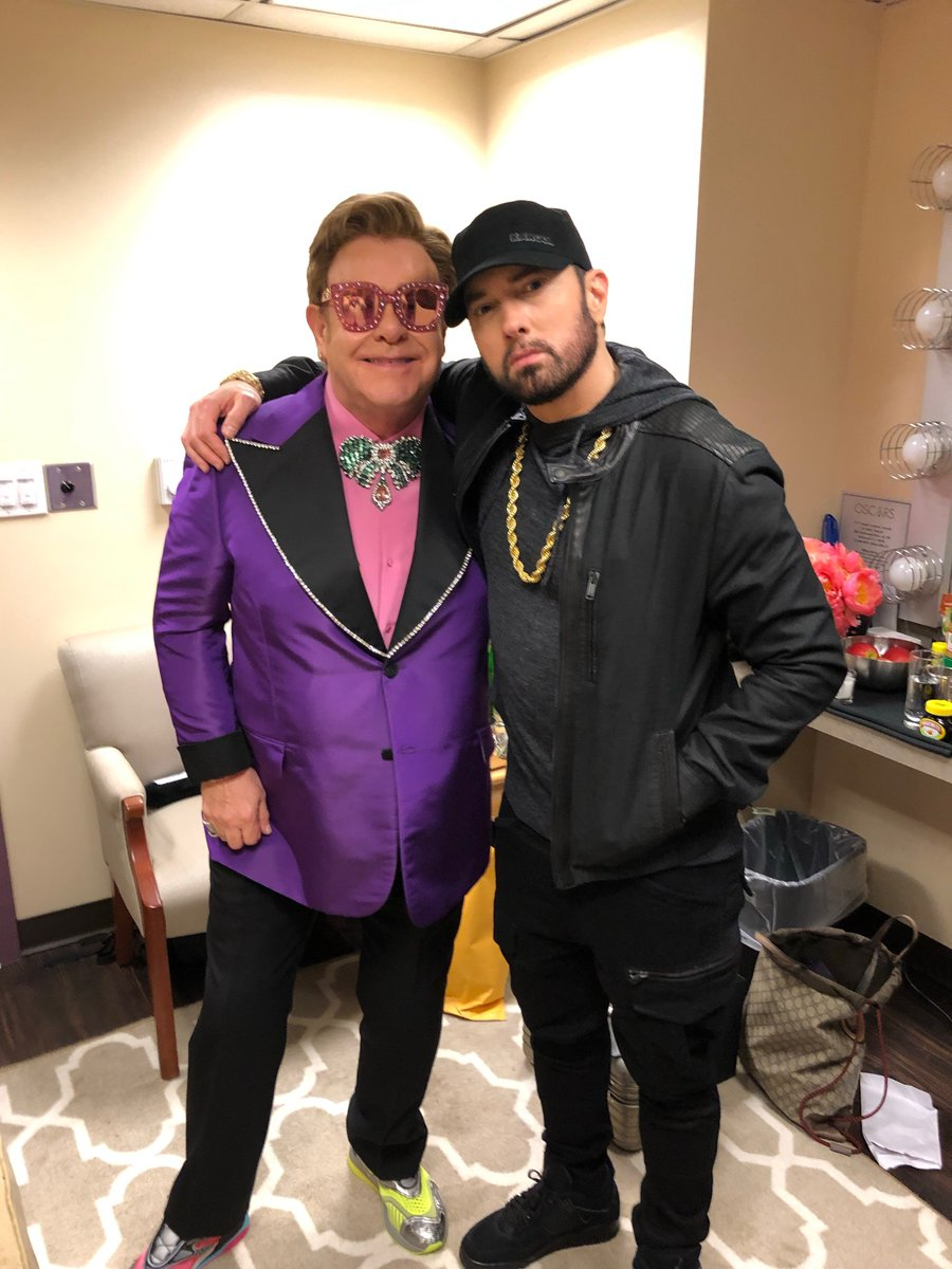 I got to see my Uncle Elton tonight at the Oscars. Congrats on your win too, Sir! @eltonofficial