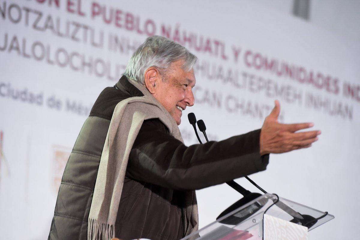 Nos reunimos con la comunidad náhuatl de Milpa Alta en la Ciudad de México. Hicimos el compromiso de abrir una universidad dedicada a la enseñanza de lenguas indígenas; necesitamos fortalecer las culturas originarias.   https://youtu.be/iPNK89rJFDs